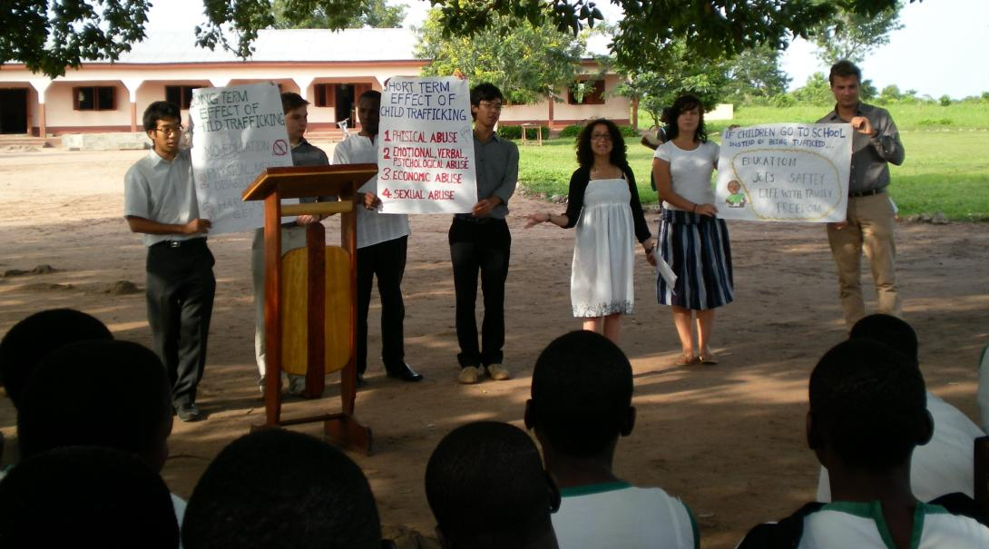 Projects Abroad Human Rights Volunteers conduct outreach in Ghana.